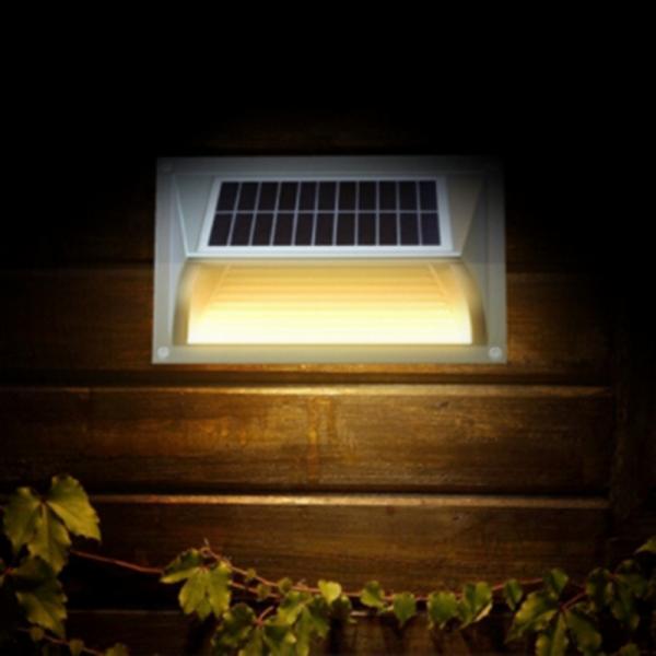 lampu dinding tenaga surya warm light
